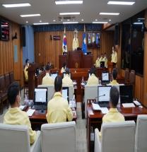군의회, 후반기 의장 선출 못해…부의장에 김정희 의원 선출